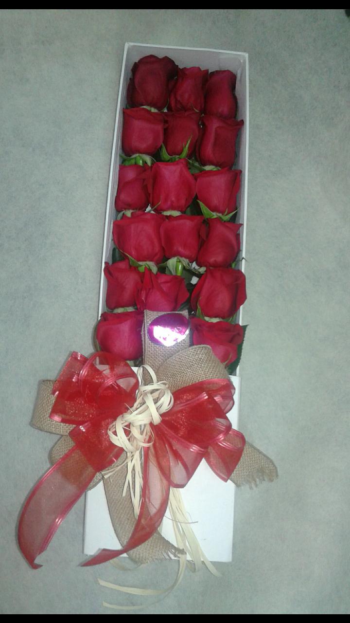 Caja con 24 rosas de exportación
